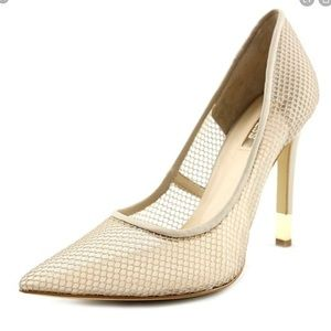 Guess Cream Beige Fishnet Pointed Tor Pumps 6.5
